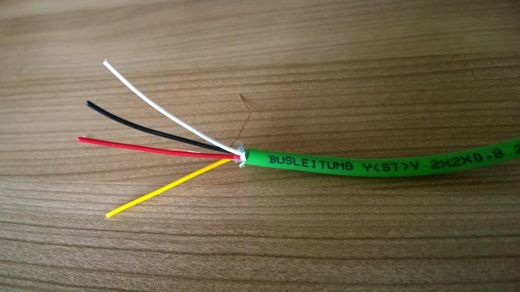 Die grüne KNX-Leitung